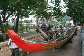 Bootsrennen der Khmer-Volksgruppe in Soc Trang - ảnh 1