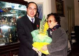 """""""Familie, Freunde und Land"""" -Autobiografie von Nguyen Thi Binh - ảnh 1"""