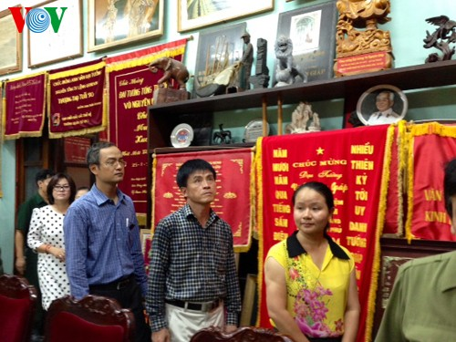 104. Geburtstag des Generals Vo Nguyen Giap an der Hoang Dieu Straße 30 - ảnh 3