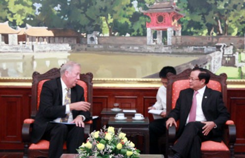 Berater des US-Außenministeriums Thomas Shannon besucht Vietnam - ảnh 1