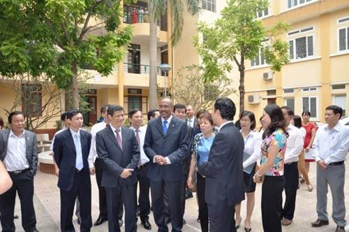 Vizestaatspräsidentin Nguyen Thi Doan empfängt den stellvertretenden UN-Generalsekretär - ảnh 1