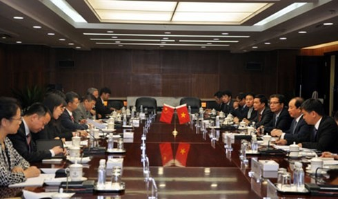 Vietnam und China wollen ihr Handelsvolumen in zwei Jahren auf 100 Milliarden US-Dollar erhöhen - ảnh 1
