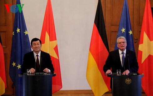 Gespräch zwischen den Staatschefs Vietnams und Deutschlands - ảnh 1