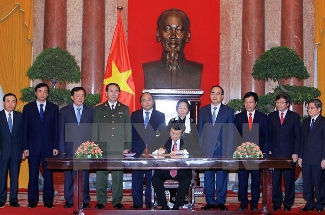 Wissenschaftsforum über 70-jährige vietnamesische Verfassung - ảnh 1