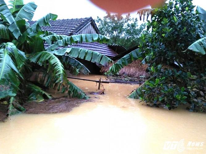 Überflutungen in Zentralvietnam - ảnh 1