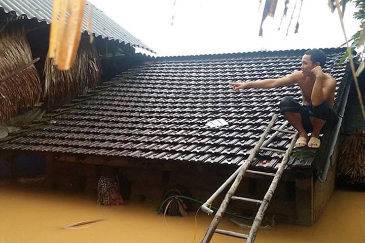 Überflutungen in Zentralvietnam - ảnh 10