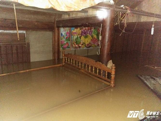 Überflutungen in Zentralvietnam - ảnh 2