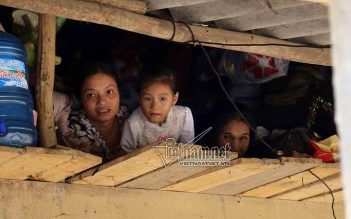 Überflutungen in Zentralvietnam - ảnh 4