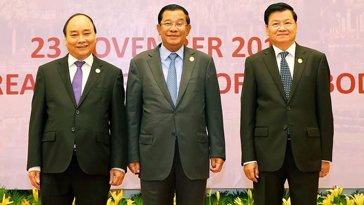 Treffen der hochrangigen Politiker der Länder Kambodscha, Laos und Vietnam beendet - ảnh 1