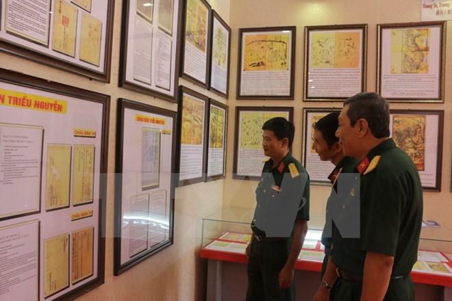 Ausstellung von Landkarten und Dokumente in Can Tho über Hoang Sa und Truong Sa - ảnh 1