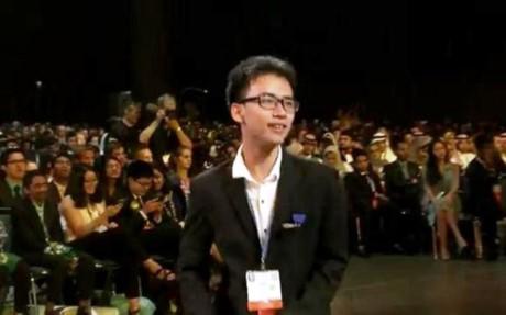 Pham Huy stellt Roboterarme für Behinderte her - ảnh 1