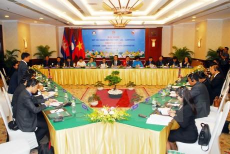 Vietnamesische und kambodschanische Jugendliche arbeiten zusammen - ảnh 1