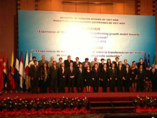 เปิดการประชุมรัฐมนตรีต่างประเทศ FEALAC ครั้งที่ 6  ณ ประเทศอินโดนีเซีย - ảnh 1