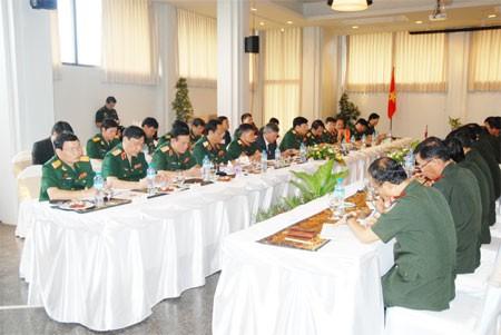 การเจรจาระดับสูงระหว่างกระทรวงกลาโหมเวียดนามกับกระทรวงกลาโหมลาว - ảnh 1