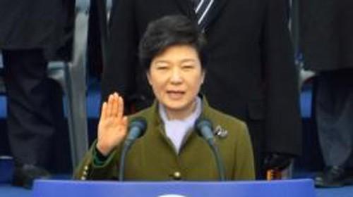 ประธานาธิบดีสาธารณรัฐเกาหลีเยือนประเทศจีน - ảnh 1
