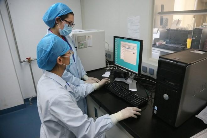 มาเลเซียประกาศพบผู้ติดเชื้อไวรัสไข้หวัดนกสายพันธุ์ใหม่ H7N9 รายแรก - ảnh 1