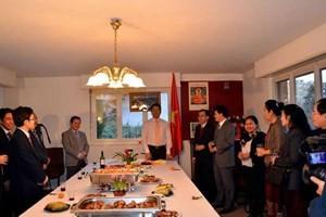 กระชับความสามัคคีมิตรภาพเวียดนาม-ลาว-กัมพูชา ณ เมืองเจนีวา - ảnh 1