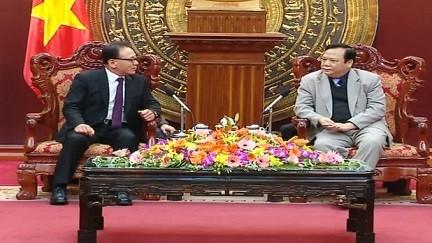 รองประธานรัฐสภา หวิ่งหงอกเซิน ให้การต้อนรับกงศุลใหญ่กิตติมศักดิ์เวียดนามในเมืองปูซาน สาธารณรัฐเกาหลี - ảnh 1