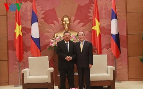 เวียดนามและลาวทำนุบำรุงความสัมพันธ์สามัคคีพิเศษระหว่างสองประเทศ - ảnh 1
