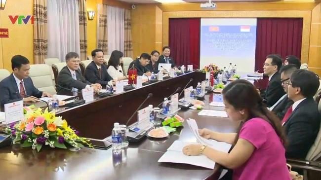 เวียดนามและสิงคโปร์ขยายความร่วมมือในการป้องกันและต่อต้านการทุจริตคอร์รัปชั่น - ảnh 1