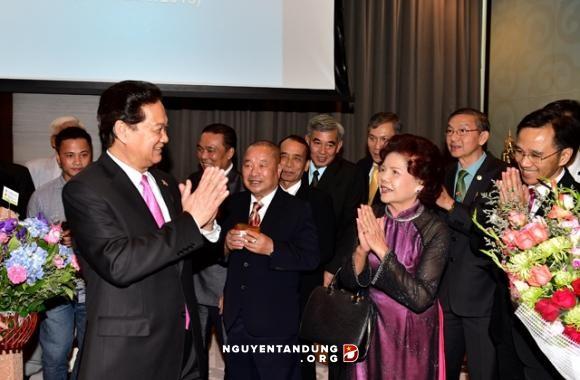รัฐบาลเวียดนามอำนวยความสะดวกเพื่อให้นักลงทุนต่างประเทศลงทุนในเวียดนาม  - ảnh 2