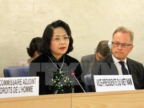 สภาสิทธิมนุษยชนแห่งสหประชาชาติอนุมัติมติเกี่ยวกับสิทธิของเด็กและการเปลี่ยนแปลงของสภาพภูมิอากาศ - ảnh 1
