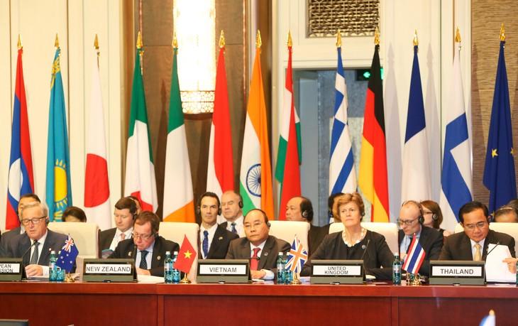 นายกรัฐมนตรี เหงียนซวนฟุก เข้าร่วมการประชุมสุดยอดเอเชีย-ยุโรปครั้งที่ 11 - ảnh 1
