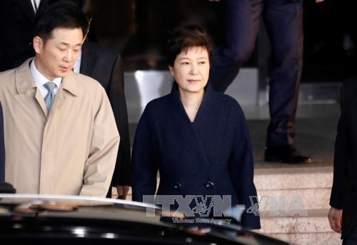 คณะอัยการพิเศษเสนอให้จับกุมตัวอดีตประธานาธิบดีสาธารณรัฐเกาหลี ปาร์ค กึน เฮ - ảnh 1