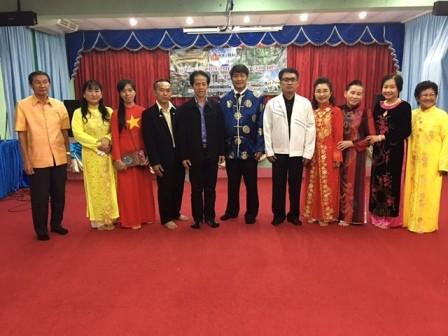 ชมรมชาวเวียดนามในอำเภอพังโคนได้ประสานกับโรงเรียนวิทยาคารเปิดชั้นเรียนสอนภาษาเวียดนามให้แก่นักเรียน - ảnh 2