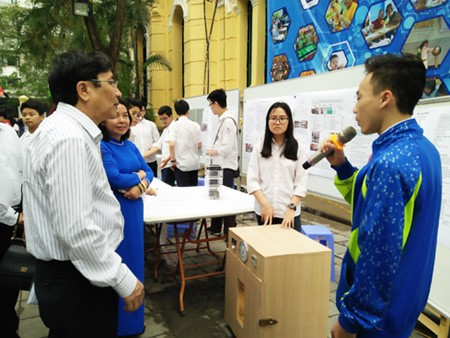 เพิ่มทักษะความสามารถด้านเทคโนโลยีสารสนเทศให้แก่เยาวชนเพื่อเตรียมพร้อมให้แก่การปฏิวัติด้านเทคโนโลยี - ảnh 1