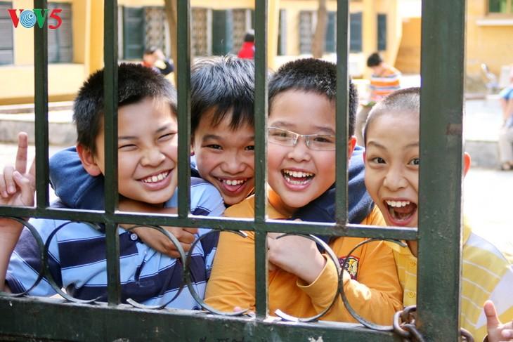 ผลักดันการค้ำประกันการปฏิบัติสิทธิของเด็กในเวียดนามต่อไป - ảnh 2