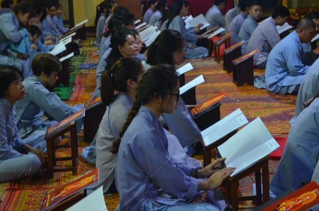 ประชาชนและพุทธศาสนิกชนจำนวนมากเข้าร่วมเทศกาลวูลาน - ảnh 1
