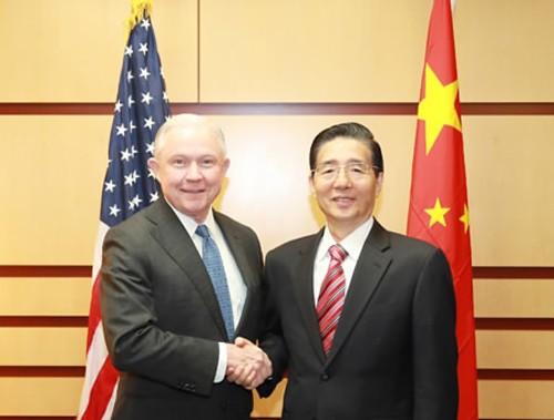 จีนและสหรัฐผลักดันความร่วมมือเพื่อต่อต้านยาเสพติดและความมั่นคงทางอินเตอร์เน็ต - ảnh 1