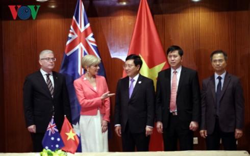 รองนายกรัฐมนตรีและรัฐมนตรีต่างประเทศ ฝ่ามบิ่งมิงห์พบปะทวิภาคีกับผู้แทนประเทศต่างๆในกรอบเอเปก - ảnh 1