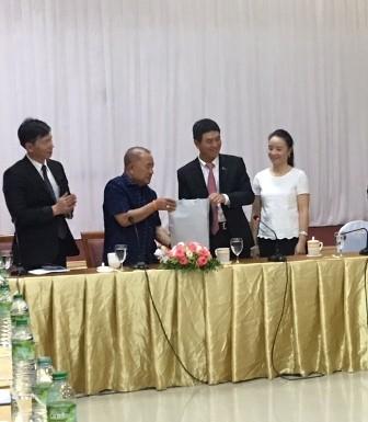 เอกอัครราชทูตเวียดนามประจำประเทศไทยพบปะกับชมรมชาวเวียดนาม - ảnh 1