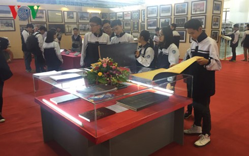 Bac Kan hosts marine sovereignty exhibition - ảnh 1