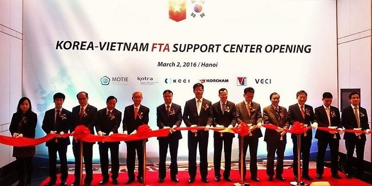 Vietnam-Korea trade to hit 70 billion USD by 2020 - ảnh 1