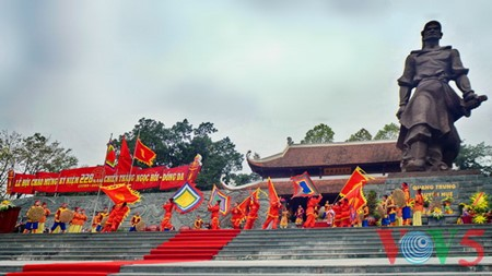 Dong Da Hill Festival tributes national heroic tradition - ảnh 14