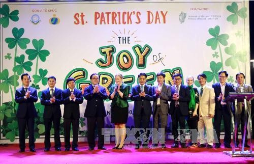 Hanoi becomes first SEA city to go green on St. Patrick's Day - ảnh 1