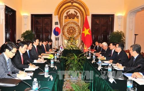Vietnam, South Korea to bring strategic cooperative partnership to new height  - ảnh 1