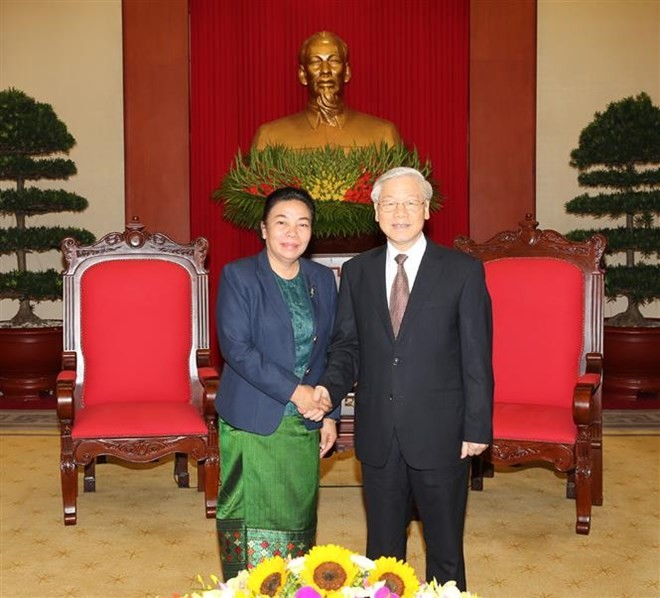 Vietnam, Laos tighten Party relations - ảnh 1