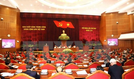 Party Central Commitee mulls restructuring public administrative units  - ảnh 1