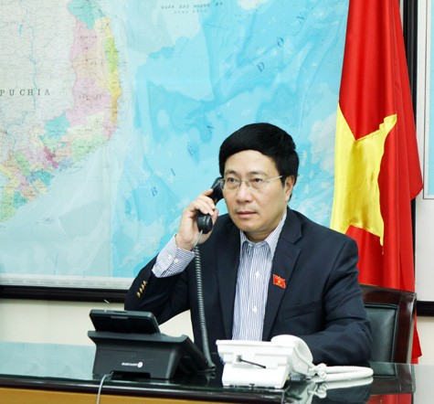 Foreign Minister Pham Binh Minh calls US counterpart over East Sea issue - ảnh 1