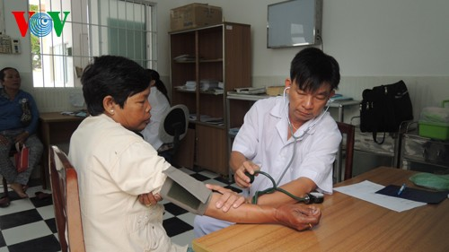 Doctor Luan Thanh Truong leaves city for island - ảnh 1