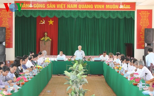 Party leader visits Soc Trang province - ảnh 1