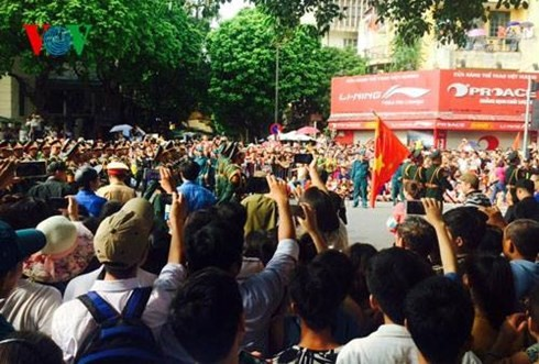 Meeting marks Vietnam's 70th National Day - ảnh 7