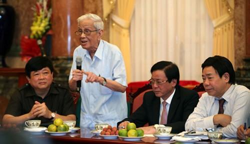 Revolutionary, veteran journalist Huu Tho - ảnh 1
