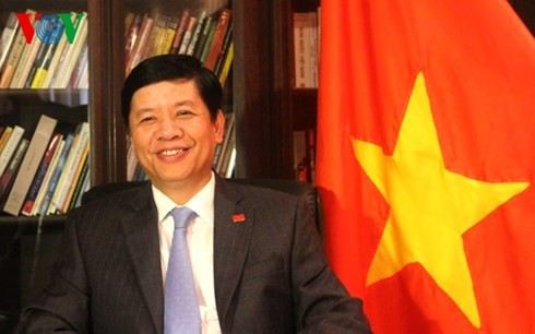 Vietnam ambassador to Japan: both countries' leaders attach importance to Party leader Trong's visit - ảnh 1