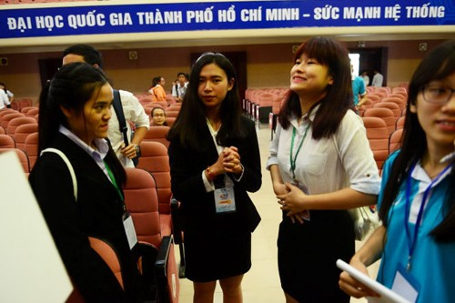 Vietnam's first international student scientific forum opens - ảnh 1