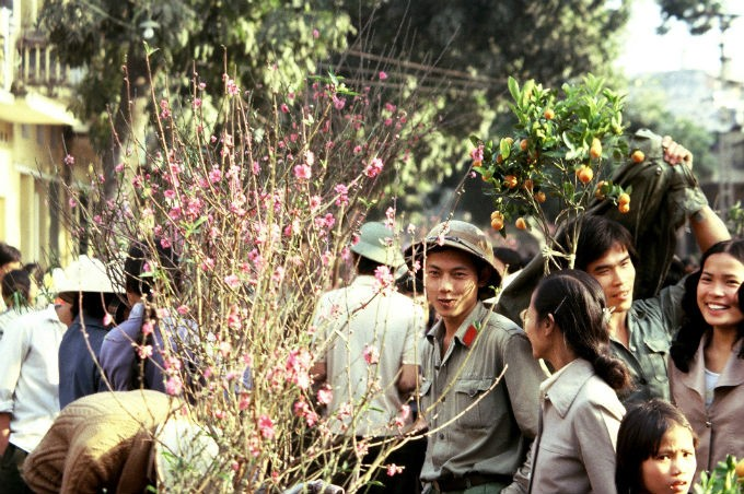 Photography Exhibition: Vietnam in the 80s - ảnh 1